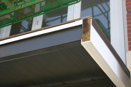 Balcon Sur Structure Acier Laqué Et Terrasse En Bois Un Balcon